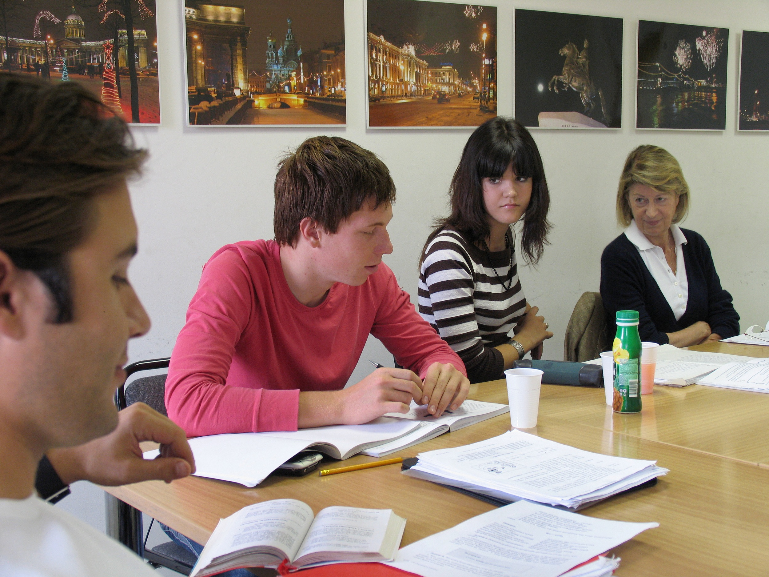 russian coursework Russian courses at moscow state university (msu) introduction to our russian language courses in moscow at msu we would like to invite you to learn the russian language at the famous lomonosov moscow state universitylomonosov university is the largest and oldest university in moscow and russia, founded in 1755 by the poet and scientist mikhail lomonosov.
