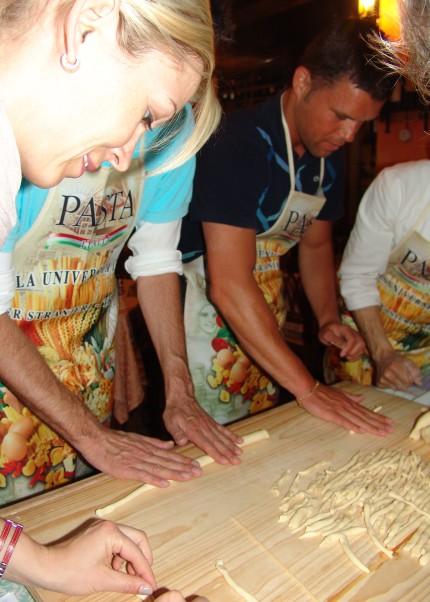 Scuola di lingua italiana tropea lezione di cucina calabrese lingua service worldwide - Scuola di cucina italiana ...